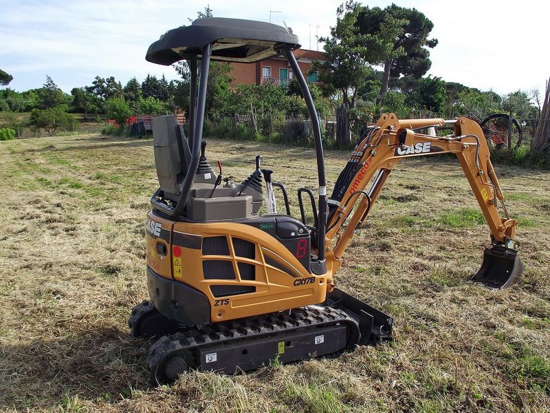 Excavatoare mini Case CX 17 dealer