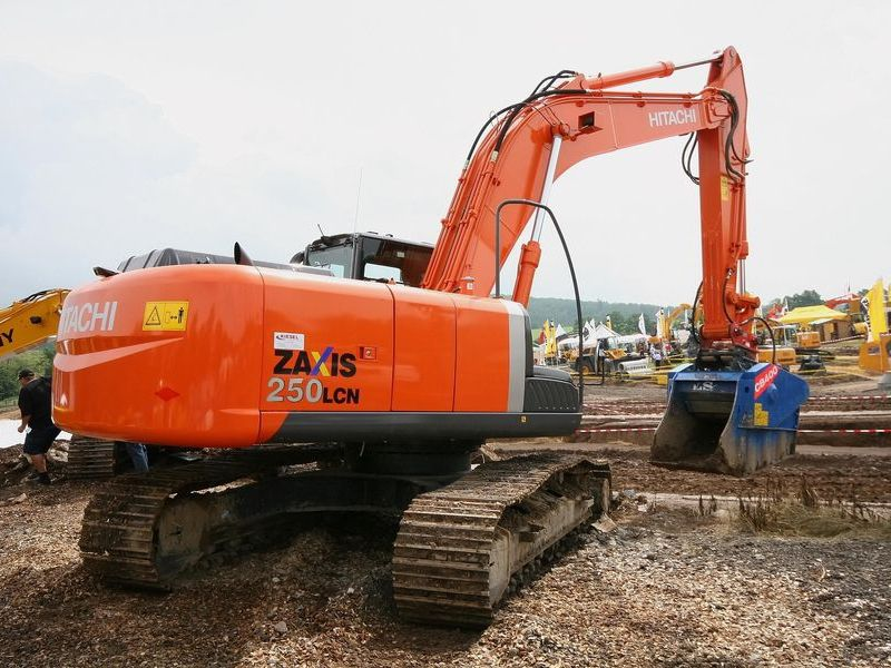 Excavatoare midi Hitachi ZX 250 second hand