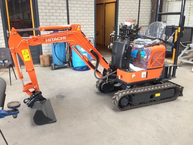 Excavatoare mini Hitachi ZX 10 dealer