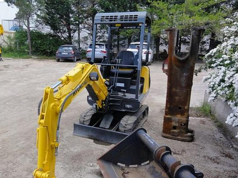 Excavatoare mini Hyundai R 15 second hand