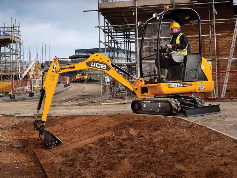 Excavatoare mini JCB 8016 second hand