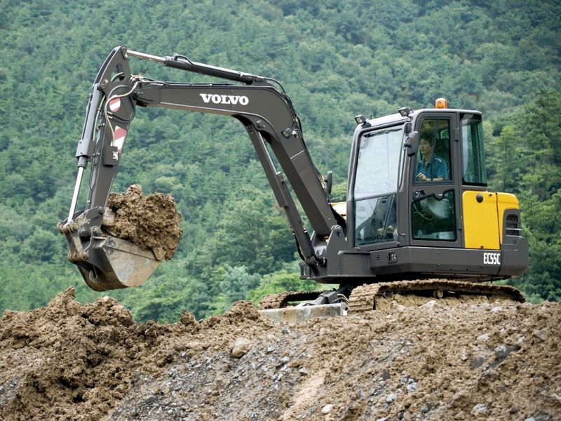 Excavatoare mini Volvo EC 55 dealer