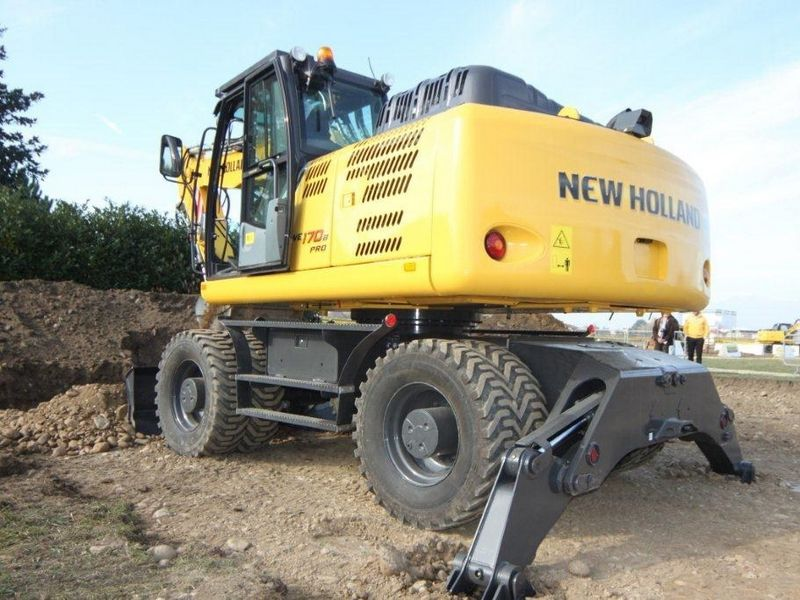 Excavatoare pe roti New Holland WE 170 Romania