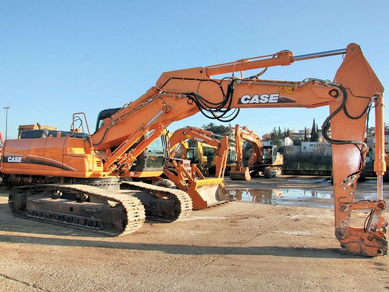 Excavatoare pe senile Case CX 230 dealer