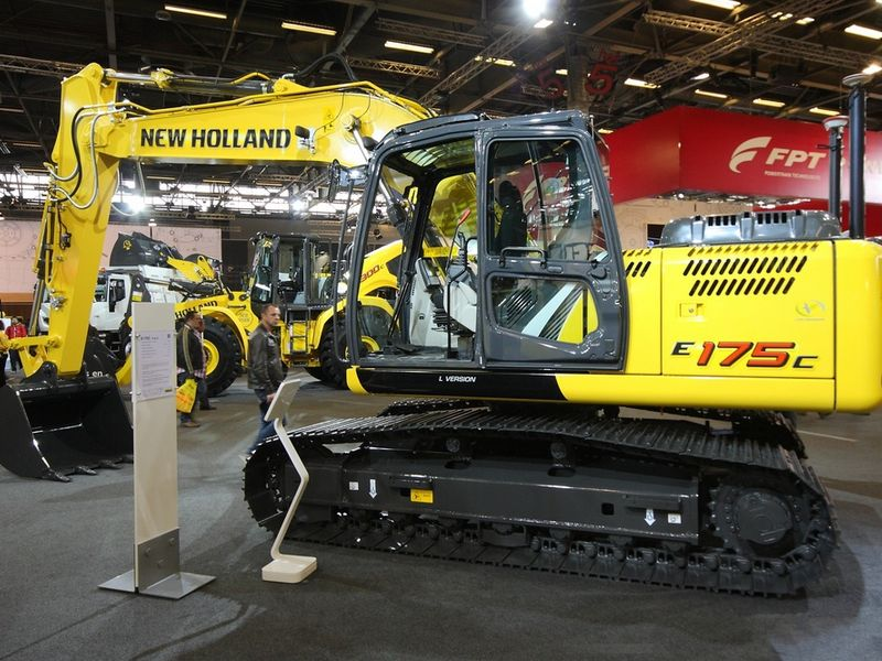 Excavatoare pe senile New Holland E 175 dealer