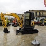 Excavator mini New Holland E 35 de vanzare