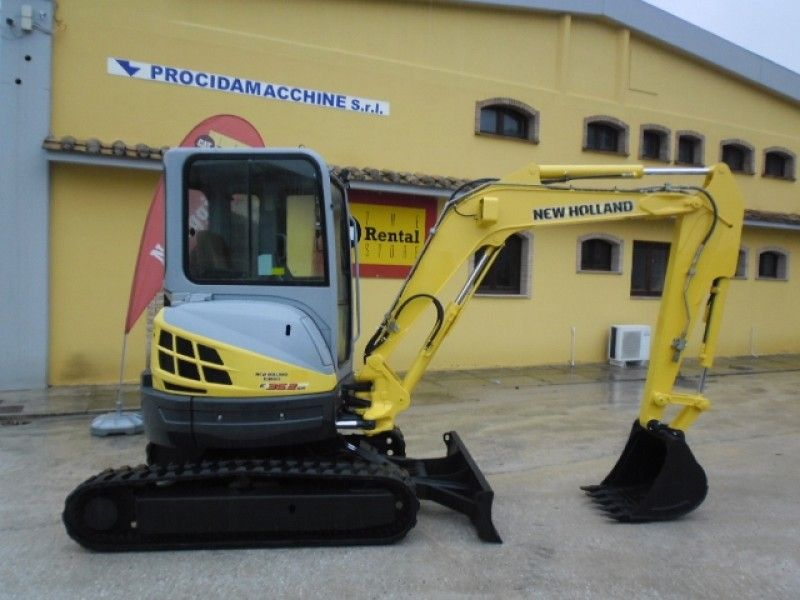 Excavator mini New Holland E 35 oferta