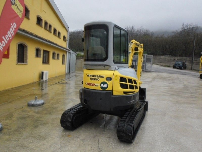 Excavator mini New Holland E 35 vand