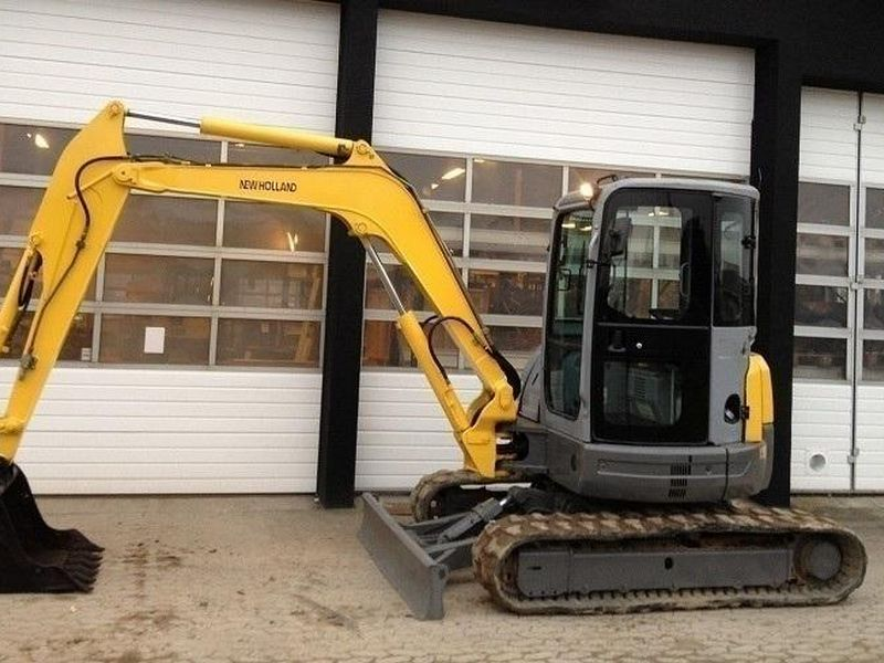 Excavator mini New Holland E 50 oferta