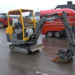 Excavator mini Volvo EC 15 second hand