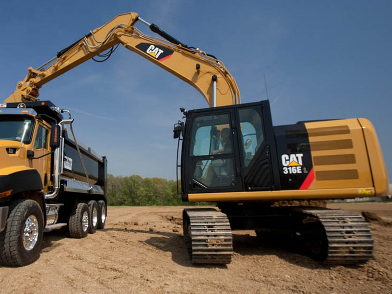 Excavator pe Senile Caterpillar 316 dealer