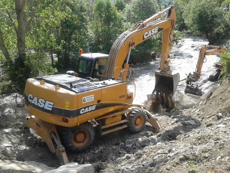 Excavator pe roti Case WX 210 second hand