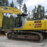 Excavator pe senile New Holland E 485 second hand