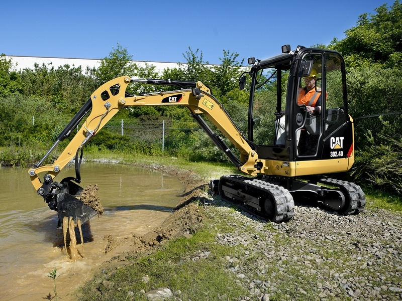MiniExcavator Caterpillar 302.4 second hand