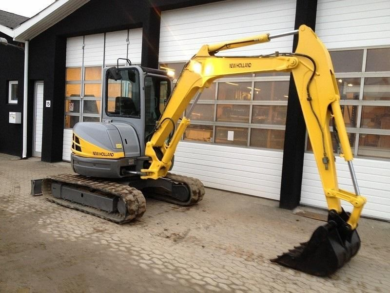 Excavatoare mini New Holland E 50 Romania