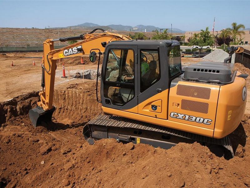 Excavatoare pe senile Case CX 130 dealer