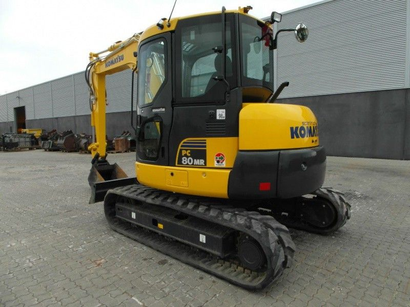Excavatoare pe senile Komatsu PC80MR second hand