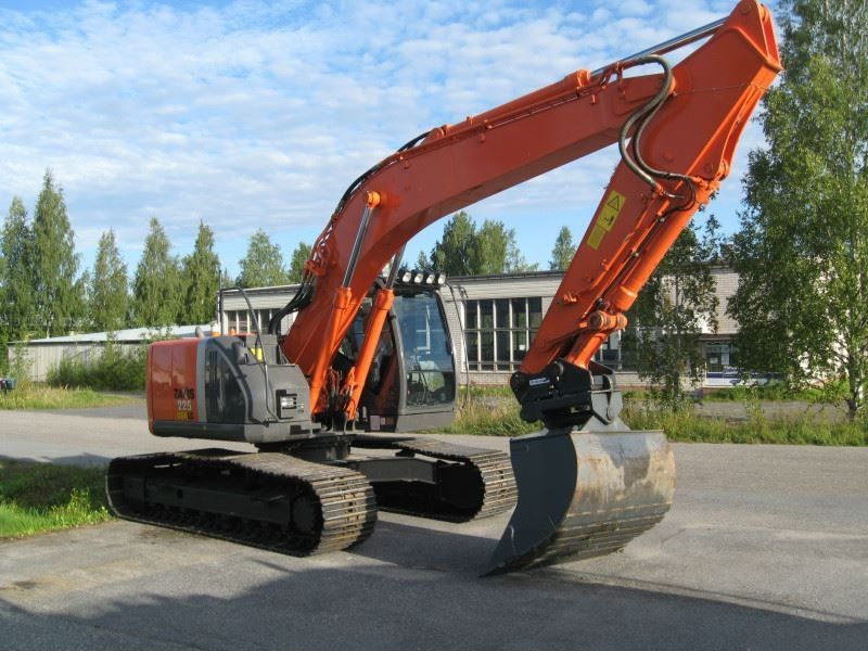 Excavator midi Hitachi ZX 225 dealer