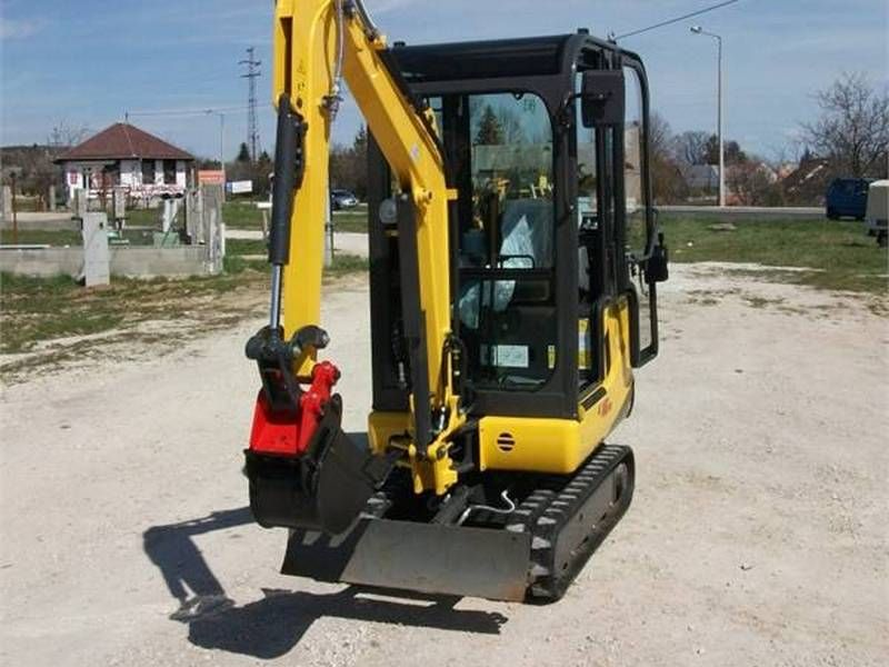 Excavator mini New Holland E 16 second hand